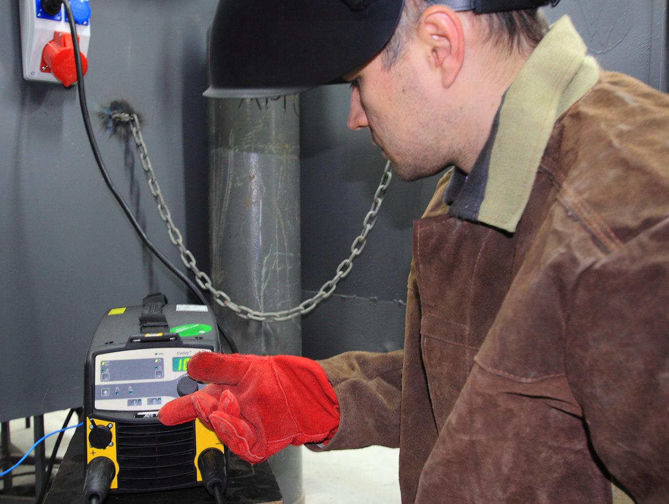 Учбовий Центр АТ «ПТЕМ» проводить цільову підготовку зварників перед тестуванням з метою працевлаштування на підприємствах Голландії